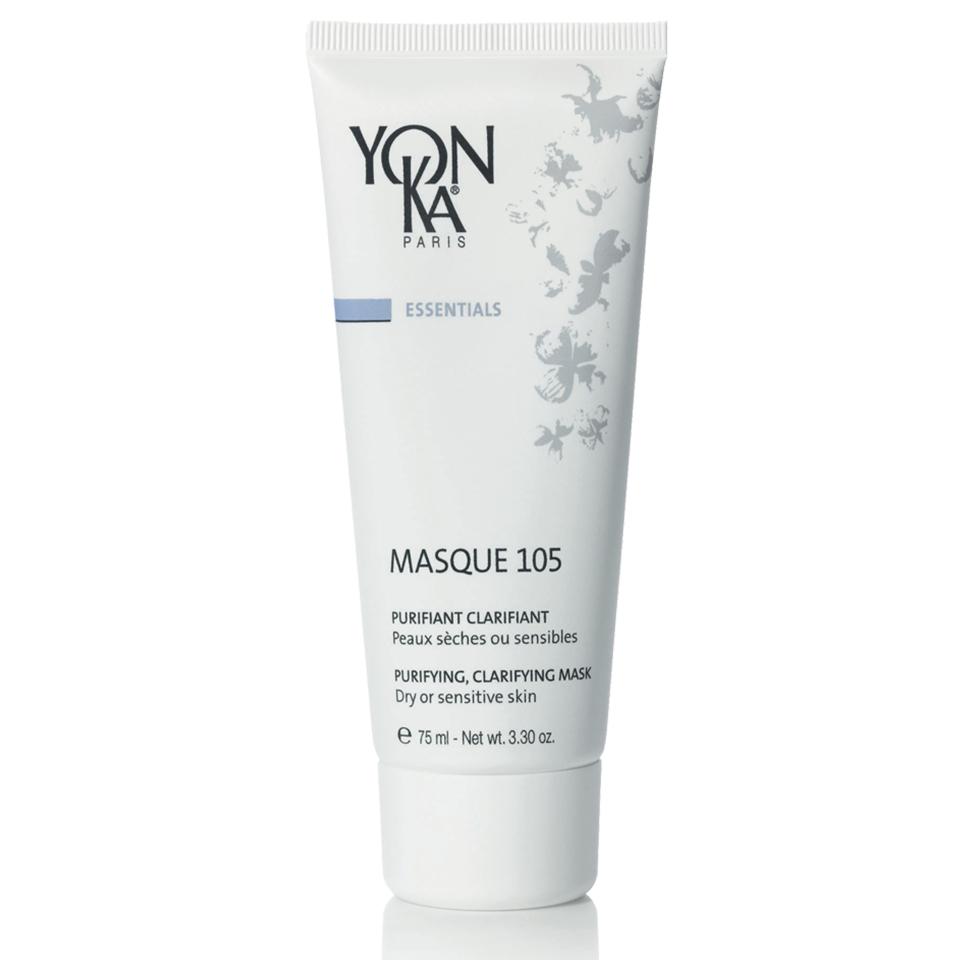 Yon-Ka Masque 105 | Почистваща маска с глина за суха и чувствителна кожа Почиства, успокоява, свива порите, изравнява тена, детоксикира, рави кожата гладка и сияйна. Маска с цвят на естествено зелена глина и много приятен аромат. Съдържа 3 вида глина, борнеол и етерични масла. Опаковка 75 мл. 99% природни съставки. Без парабени.