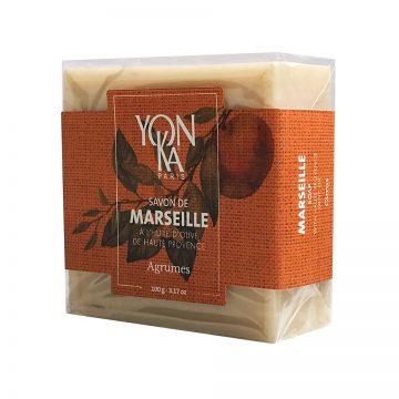 Yon-Ka Марсилски сапун с аромат на цитрус 100г | Луксозен, дълготраен марсилски сапун от сърцето на френския Прованс, с прекрасен аромат на цитрус и цвят ванилия. 100% растителни съставки от органичен произход. Обогатен със зехтин и масло от ший. Без парабени. Хидратира и омекотява. Опаковка 100г.